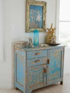 New Ideas painting old furniture antiques diy projects Armoire Shabby Chic, Shabby Chic Furniture, Rustic Furniture, Vintage Furniture, Furniture Decor, Furniture Design, Modern Furniture, Handmade Furniture, Upcycled Furniture