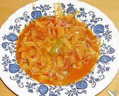 Μία από τις τελευταία πιό δημοφιλής δίαιτες είναι η Δίαιτα της Λαχανόσουπας . Στηρίζεται στην θεωρία ότι ο οργανισμός για να χωνέψει το λάχα... Thai Red Curry, Soup, Ethnic Recipes, Drinks, Soups And Stews, Savoy Cabbage, Food Portions, Kochen, Food Food