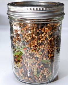 Don't buy pickling spice blends, make your own, it's easy! Makes of a pint jar. Lasts up to 6 months. 2 Cinnamon Sticks, crushed 4 Bay Leaves, dried and crushed 2 Tsp Whole Cloves 2 Tbsp Yellow Mustard Seeds 2 Tbsp Brown Mustard Seed 4 Tbsp Whole Cori. Homemade Spices, Homemade Seasonings, Canning Tips, Canning Recipes, Pickeling Recipes, Cooker Recipes, Easy Canning, Recipies, Spice Blends
