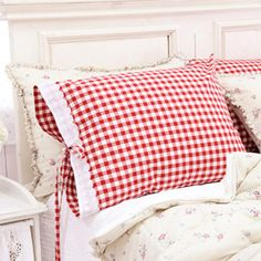 ❥ ♡ red gingham pillow shams....love the tie
