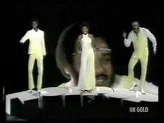 Rock The Boat - Hues Corporation (1974)