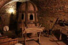 Inside an ancient alchemy laboratory; Speculum Alchemiae