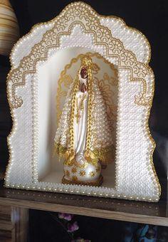 Novo conjunto da Nossa Senhora com manto perolado 30cm + Oratório de 32cm.