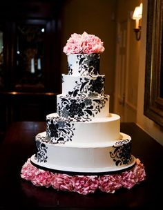 Ann Taylor Damask  ~ Fancy Cakes by Lauren caked-on