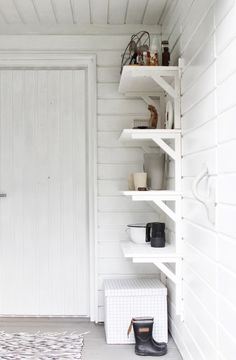 Painted white entry with simple shelving entryways, foyers & front door Home Organisation, Workshop Organization, Sweet Home, Shabby, White Shelves, Home And Deco, Minimalist Interior, Scandinavian Interior, Mudroom