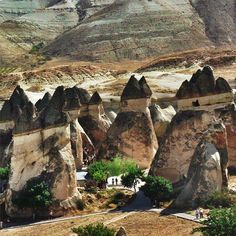 Are you ready for a historical journey through the incredible geological events resulting in the Fairy Chimneys of Kapadokya and the traditional homes therein?