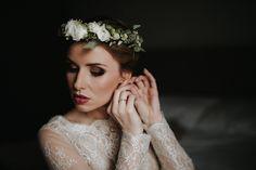 Wianek ślubny / Flower crown Crown, Wedding Dresses, Jewelry, Fashion, Bride Dresses, Moda, Corona, Bridal Gowns, Jewlery