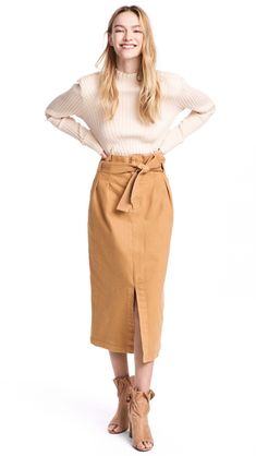 Calf-length skirt in denim with a paper-bag waistband. Pleats at top, tie at waist, and a slit at front. Back pockets, side-seam pockets, Cozy Fashion, H&m Fashion, Skirt Fashion, Vintage Fashion, Teen Fashion Outfits, Short Outfits, Cute Outfits, Jugend Mode Outfits, Calf Length Skirts