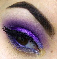 Catch Up mit dem Lila Trend: 15 Perfecy Lila Augen Schminke Looks & Tutorials - Makeup Looks Yellow Bold Eye Makeup, Purple Eye Makeup, Purple Eyeshadow, Makeup Eyes, Make Up Tutorials, Make Up Looks, Beauty Makeup, Hair Makeup, Hair Beauty