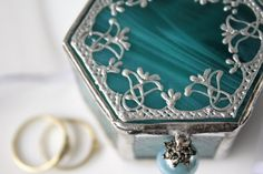 Turquoise glass ring box, Stained glass ring holder, Teal jewelry box, Fairy tale ring pillow alternative, Romantic engagement ring box