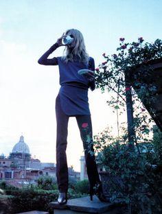 """80s-90s-supermodels:""""The Italians"""", ELLE US, July 1997Photographer: Gilles BensimonModel: Jodie Kidd"""