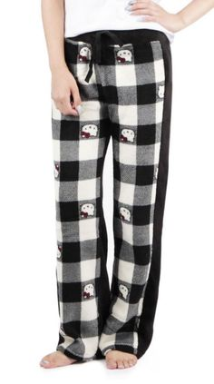 Black and white panels of Hello Kitty fleece for warm winter lounging