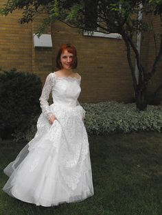 Vintage 50s Wedding Dress Lace Tulle Gown XS S by soulrust on Etsy, $189.99. BEAUTIFUL!