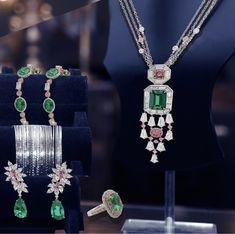Blue Diamond Jewelry, Diamond Pendant, Gold Jewelry, Jewelery, Vintage Jewelry, Jewelry Accessories, Fine Jewelry, Unusual Jewelry, 2 Instagram