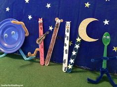 """Playful storytelling - cute and simple popsicle stick puppets to go along with """"Hey Diddle Diddle"""". I love the idea of using props to bring stories and nursery rhymes to life. Great story telling idea!"""