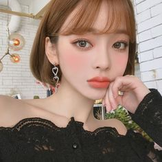 Beautiful Everyday Blouse - I know you wanna kiss me. Thank you for visiting CHUU. Korean Beauty Girls, Pretty Korean Girls, Asian Beauty, Beautiful Chinese Women, Beautiful Asian Girls, Uzzlang Girl, Asian Cute, Asian Hair, Short Hair Styles
