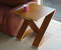 Collapsible Z-Shaped Side Table : 7 Steps (with Pictures) - Instructables Rv Table Ideas, Diy Table, Apartment Furniture, Table Furniture, Collapsable Table, Foldable Coffee Table, Corner Table, Corner Shelf, Couch Table