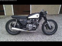 SUZUKI GS 550 cc, that's what you do with a 70's 550!