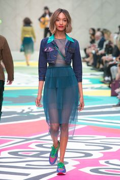 A look from the Burberry Prorsum Spring 2015 RTW collection.