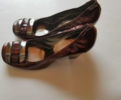 Vince Camuto High Heels Pumps Chunky Heels Crimson Patent Leather 5.5 6.5 #VinceCamuto #PumpsClassics