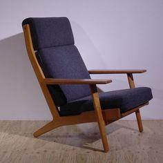 ハンスウェグナーge290 ハイバックチェアー Diy Furniture, Furniture Design, Low Chair, Scandinavian Furniture, Cool Chairs, Living Room Sofa, Sofa Set, Accent Chairs, House Design