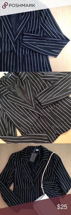 H&M • black and white pinstripe blazer w e l c o m e  t o  m y  c l o s e t   Black and white pinstripe blazer w/ one button and front pockets.    Measurements available upon request.    All reasonable offers welcomed.                    question/unsure? let's talk.                    💌same day or next day shipping  Thanks for looking👀, liking👍, and sharing💕 H&M Jackets & Coats Blazers