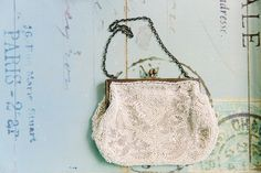 Vintage bridal clutch bag. Struve Photography