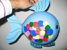 Juf Sanne maakt De mooiste vis van de zee met een ballon als basis. Ook leuk!