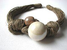 Collana in ceramica Crema-Lino