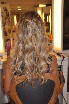 cabelo solto com tranças 3 How To Make Hair, Long Hair Styles, Makeup, Beauty, Fashion, Hair Buns, Pinned Bangs, Loose Braids, Long Scene Hairstyles