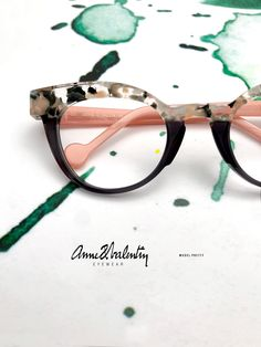 Anne and Valentin Eyewear -Model Pretty - Glasses Funky Glasses, Cool Glasses, Glasses Frames, Round Lens Sunglasses, Cute Sunglasses, Sunglasses Women, Vintage Sunglasses, Fashion Eye Glasses, Cat Eye Glasses