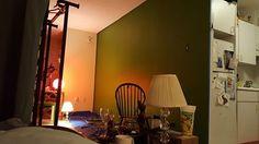 Dark/Limey green accent wall.