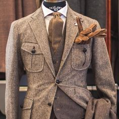 Mens Fashion Casual – The World of Mens Fashion Mens Fashion Suits, Mens Suits, Classic Mens Fashion, Tweed Suits, Tweed Men, Hunting Jackets, Party Suits, Safari Jacket, 3 Piece Suits