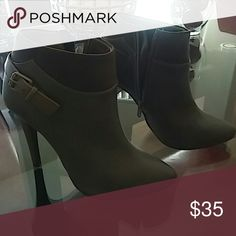 Boots Brown with suede top zipper on the side Shoes Ankle Boots & Booties