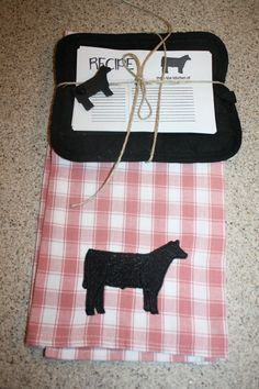 cattle towel kitchen decor gift pack show steer show cattle stock show decor Cow Kitchen Decor, Cow Decor, Quarter Auction, Silent Auction Donations, Show Steers, Show Cattle, Cheap Christmas Gifts, Showing Livestock, Camping Crafts