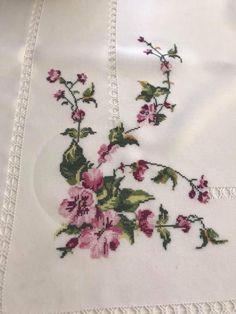 Home Trends 2020 Cross Stitching, Cross Stitch Embroidery, Hand Embroidery Designs, Cross Stitch Designs, Blackwork, Elsa, Diy And Crafts, Cross Stitch Art, Cross Stitch Pictures