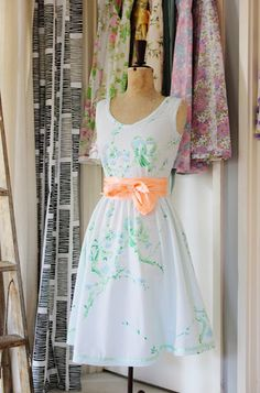 Dresses made out of vintage fabric. I can't explain just how much I'm LOVING these