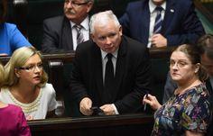 """1. Służba zdrowia mówi """"Sprawdzam""""2. Fiasko podatku handlowego3. Koniec kompromisu aborcyjnego4. """"Złoci chłopcy"""" PiS5. Warszawa vs Bruksela"""