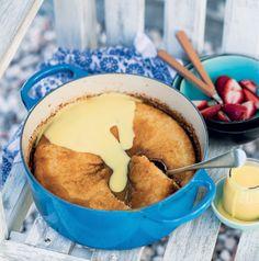One-pot self-saucing toffee pudding. No Bake Desserts, Just Desserts, Delicious Desserts, Dessert Recipes, Yummy Food, Self Saucing Pudding, Summer Drink Recipes, Toffee Pudding, Fun Baking Recipes