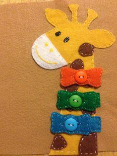 Conçu comme une page dactivité pour un livre pour enfants calme (aka livre chargée). Cette adorable girafe est équipé délégantes cravates
