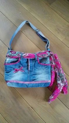 Jean Crafts, Denim Crafts, Jean Purses, Purses And Bags, Recycle Jeans, Upcycle, Old Jeans, Denim Jeans, Denim Purse