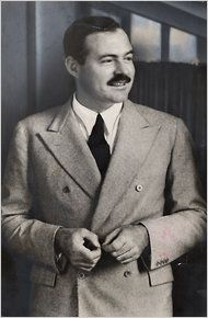 Ernest Hemingway, the American writer who become synonym of uncluttered elegance and an icon of classic style. Ernest Hemingway, Generation Photo, Latest Generation, Paris 1920s, Vintage Paris, The Sun Also Rises, Nobel Prize In Literature, Story Writer, Writers And Poets