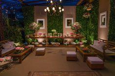 Casamento rústico-chique: mesa de doces