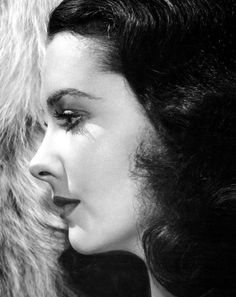 "summers-in-hollywood: ""Vivien Leigh in profile, 1940s """