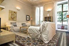 Picture of the General view of living room in the apartment in rental in Eixample  Urquinaona Design C1. 2 bedrooms, great size for a small family! #barcelona #apartment