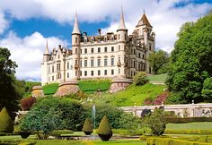 #Dunrobin Castle is the most northerly of Scotland's great houses and the largest in the Northern Highlands with 189 rooms. Dunrobin #Castle is also one of Britain's oldest continuously inhabited houses dating back to the early 1300s, home to the Earls and later, the Dukes of #Sutherland.