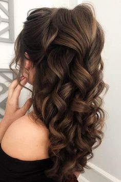72 Best Wedding Hairstyles For Long Hair 2020 wedding hairstyles for long hair volume curly half up half down on brown hair juliafratichelli. Quince Hairstyles, Wedding Hairstyles For Long Hair, Bride Hairstyles, Down Hairstyles, Long Brown Hairstyles, Volume Hairstyles, Best Hairstyles, Updo Hairstyle, Hairstyle Ideas