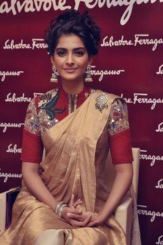 she's amazing. #sonam #sexysari