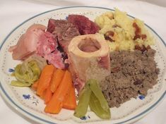 Kig ha farz traditionnel Pot Roast, Mashed Potatoes, Ethnic Recipes, Food, Voici, Brittany, Menu, French, Special Recipes