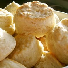 's Big Daddy Biscuits. Recipe for biggest biscuits ever. Homemade Baking Powder, Baking Powder Biscuits, Big Daddy Biscuits Recipe, Biscuit Recipe, Biscuit Mix, Homemade Biscuits Recipe, Homemade Food, Fluffy Biscuits, Crack Crackers